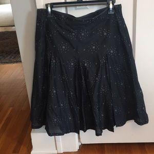 Banana Republic cotton/silk flared skirt. Size 6